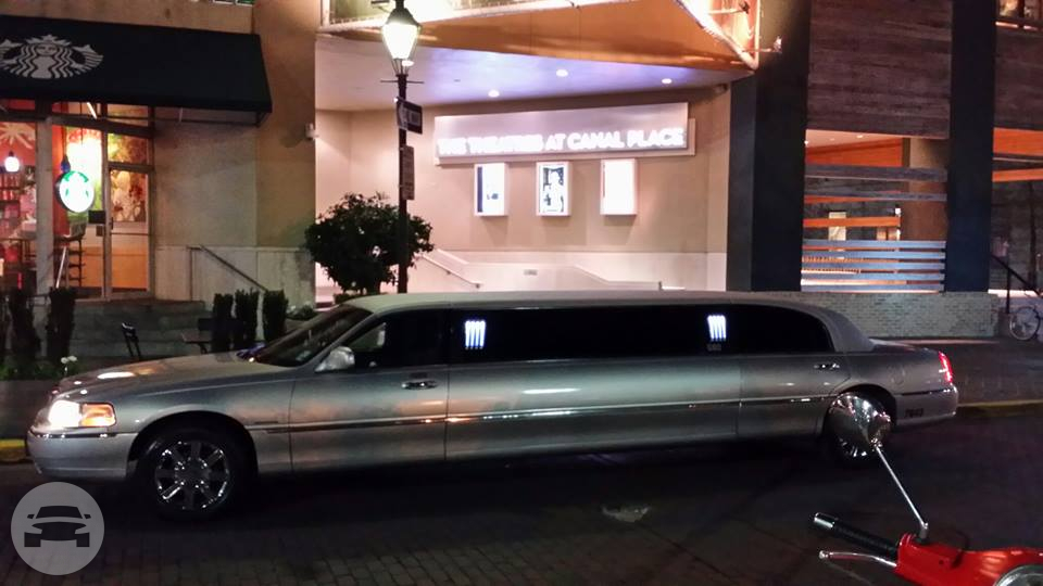 Lincoln Stretch Limousine - Silver Limo / Metairie, LA   / Hourly $0.00