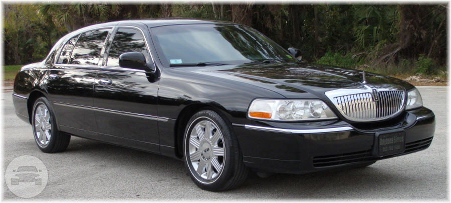 LUXURY LINCON TOWN CAR SEDAN Sedan / New York, NY   / Hourly (Other services) $40.00