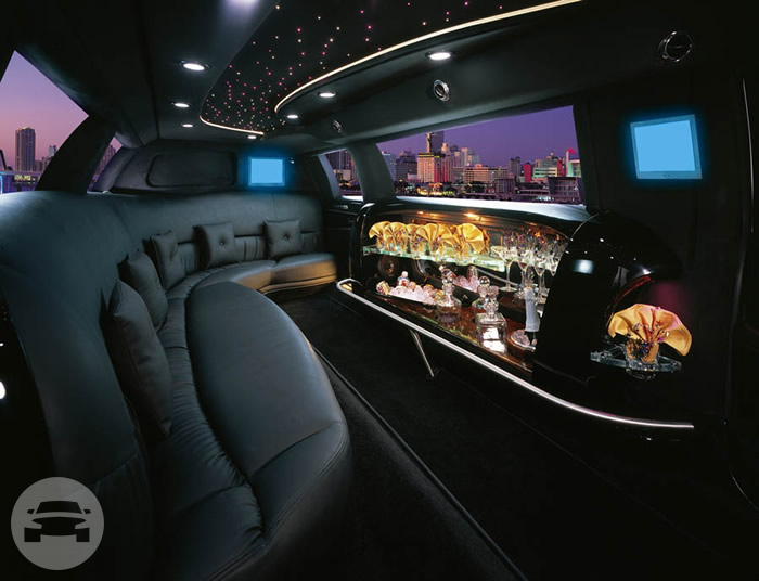 10 Passengers White Lincoln Limousine Limo / Clayton, CA   / Hourly $0.00