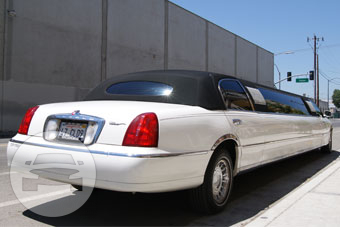 10-14 Passenger White Lincoln Limousine Limo / Gilroy, CA 95020   / Hourly $0.00