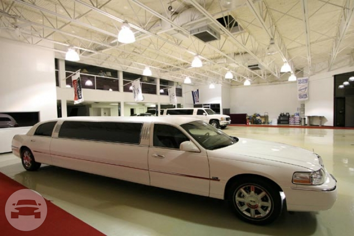 Lincoln Ultra Limousine (White) Limo  / Sugar Land, TX   / Hourly $80.00