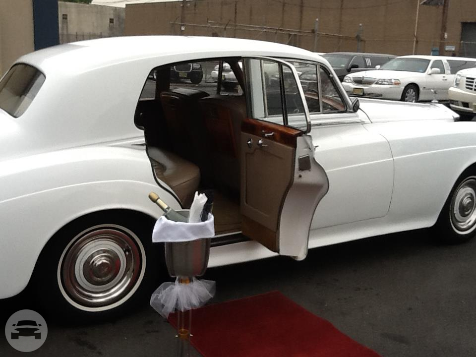 ROLLS ROYCE Sedan  / Morristown, NJ   / Hourly $0.00