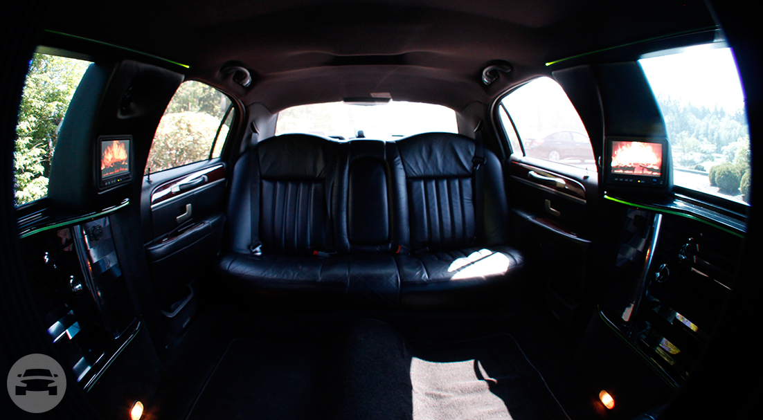 6 Passenger Limo (Paris) Limo / Kent, WA   / Hourly $0.00