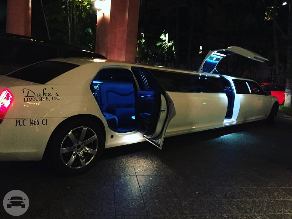 WHITE CHRYSLER LIMO Limo / Kailua, HI   / Hourly $0.00