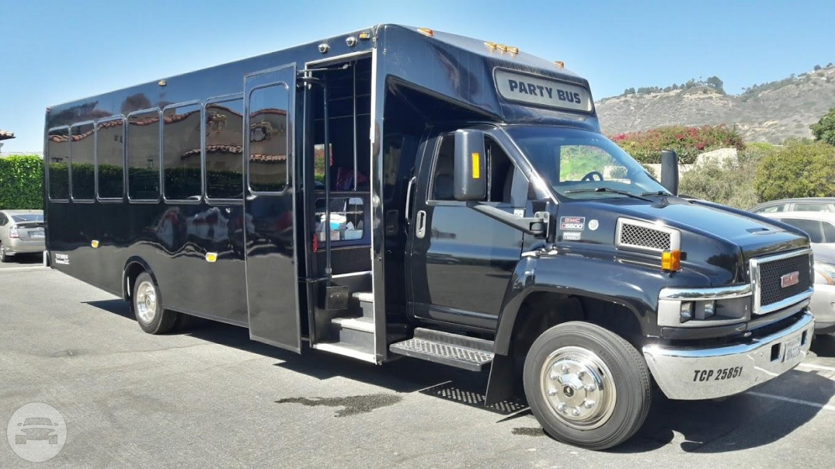 GMC PARTY BUS Party Limo Bus  / Los Angeles, CA   / Hourly $0.00