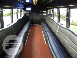 32/38 Passenger Limousine Coach Coach Bus  / Seattle, WA   / Hourly $0.00