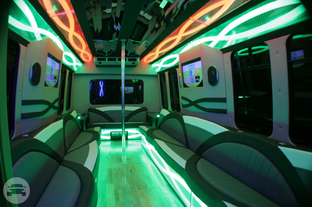 22 Passenger White Party Bus 2 Party Limo Bus / Detroit, MI   / Hourly $0.00