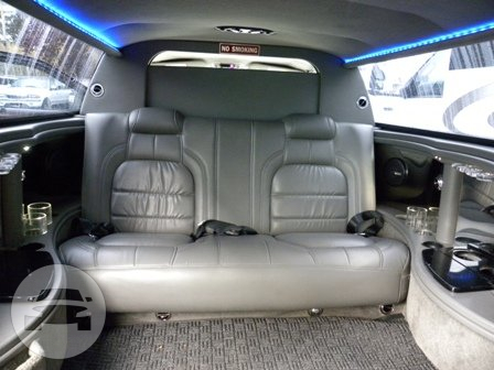 6 Passenger Cadillac DTS Limo Limo  / Seattle, WA   / Hourly $0.00