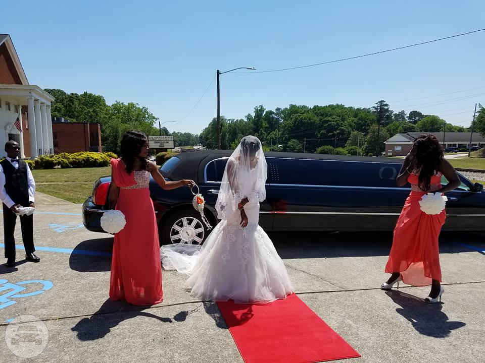 LINCOLN STRETCH LIMO - BLACK Limo  / Peachtree Corners, GA   / Hourly $0.00