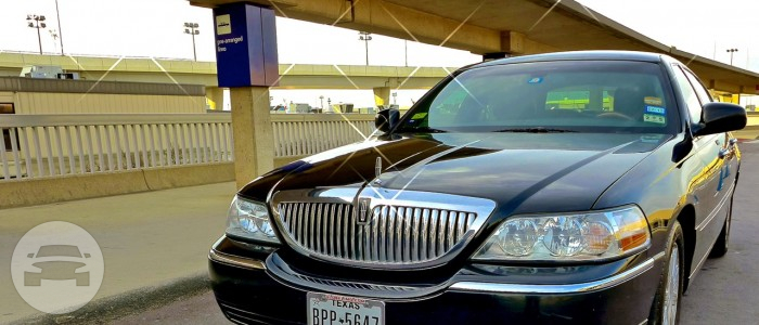 Lincoln Towncar Sedan / Bailey, TX   / Hourly $0.00