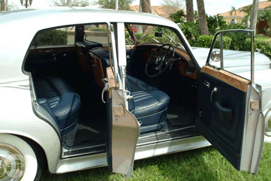 1960 SILVER BENTLEY Sedan  / Hialeah, FL   / Hourly $0.00