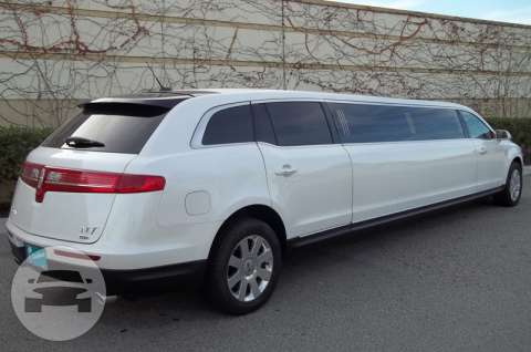 Lincoln MKT Towncar Stretch Limousine Limo  / Seattle, WA   / Hourly $0.00