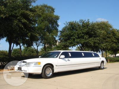 9 Passenger Lincoln Limo  / Chicago, IL   / Hourly $0.00