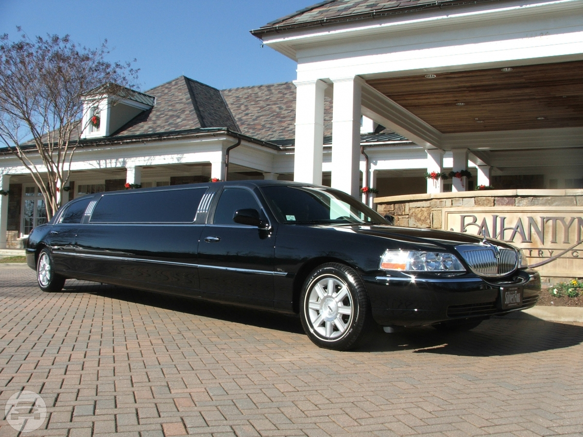 8 Passenger Lincoln Limo Limo  / Louisville, KY   / Hourly $0.00