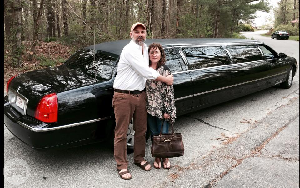 Black Super Stretch Limousine Limo / Boston, MA   / Hourly (Other services) $95.00