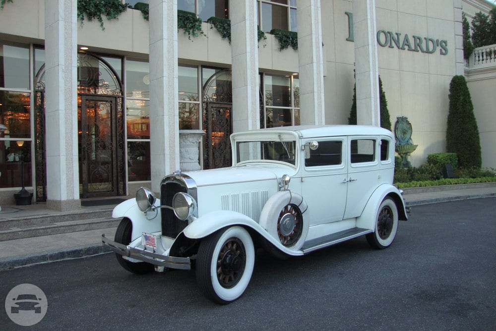 Antique Reo Sedan / New York, NY   / Hourly $0.00