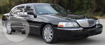 LINCOLN TOWN CAR Sedan  / White Plains, NY   / Hourly $0.00