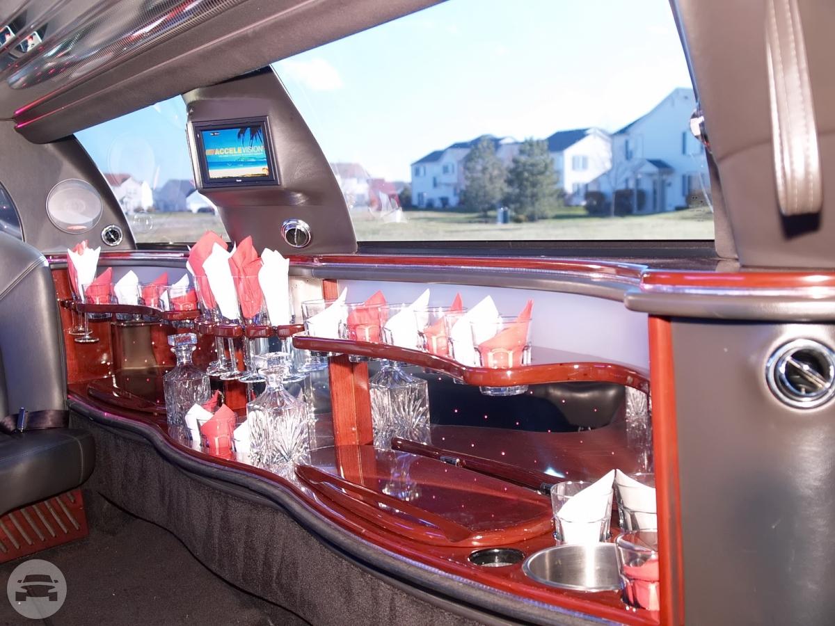 Lincoln Town Car 120 Stretch Limousine European Class Limousine