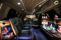 LINCOLN STRETCH LIMOUSINE (BLACK OR WHITE) Limo  / San Francisco, CA   / Hourly $0.00