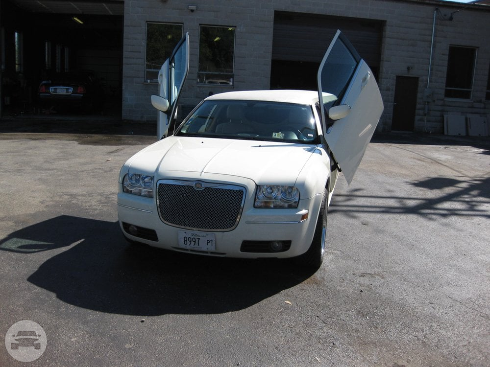Chrysler 300 Stretch Limousine Limo  / Chicago, IL   / Hourly $0.00