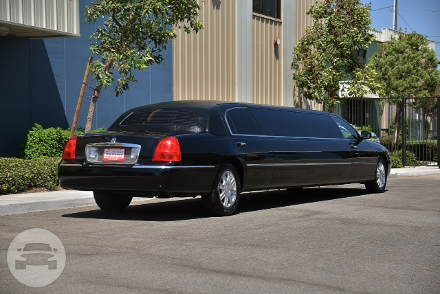 10-PASSENGER STRETCH LIMOUSINE (BLACK - 2007 UPGRADED) Limo  / Atlanta, GA   / Hourly $0.00
