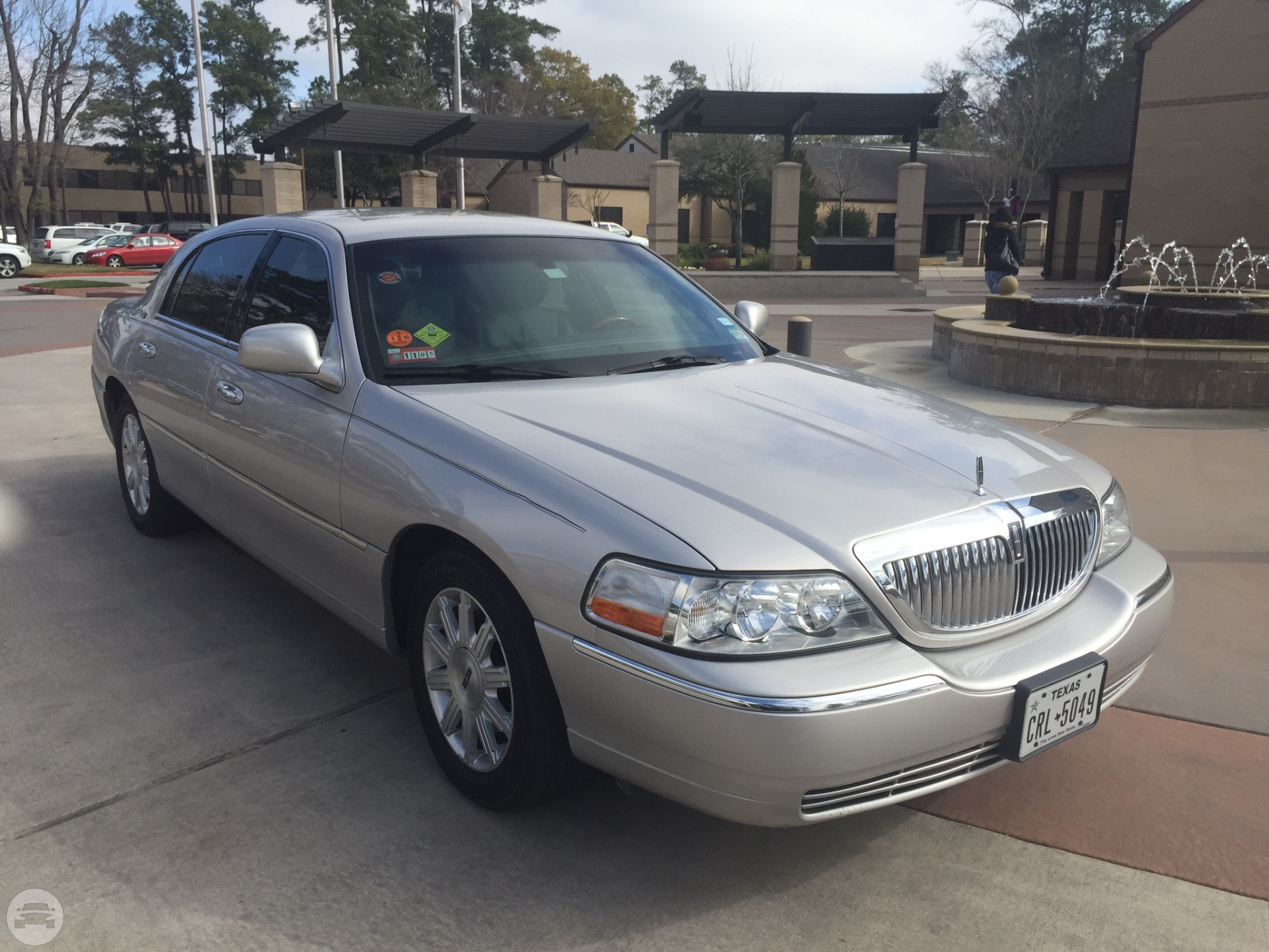 Lincoln Town Car Limited Sedan  / Houston, TX   / Hourly $0.00