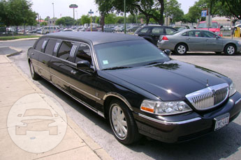 10 passenger Lincoln Towncar Limo / Leon Valley, TX   / Hourly $0.00