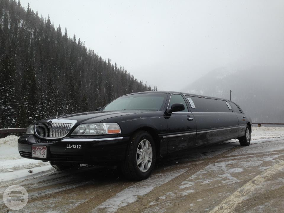 10 passenger Lincoln Towncar Limo / Erie, CO   / Hourly $0.00