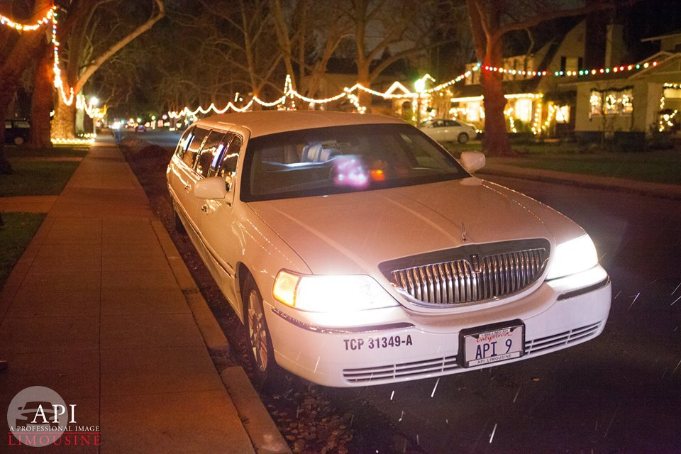 Lincoln Towncar Limo / Davis, CA   / Hourly $0.00