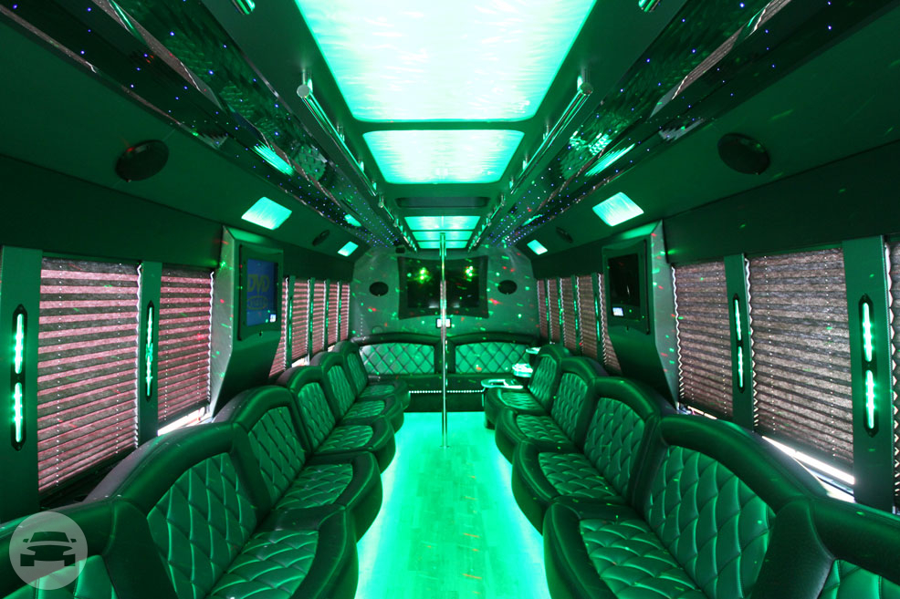 THOR Ford F650 Luxury Party Bus Party Limo Bus / Monroe, MI   / Hourly $0.00