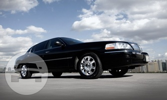 LINCOLN TOWN CAR LUXURY SERIES Sedan / Los Angeles, CA   / Hourly $0.00