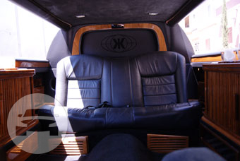 2 - 6 Passengers Black Stretch Limousine Limo  / Cupertino, CA   / Hourly $0.00