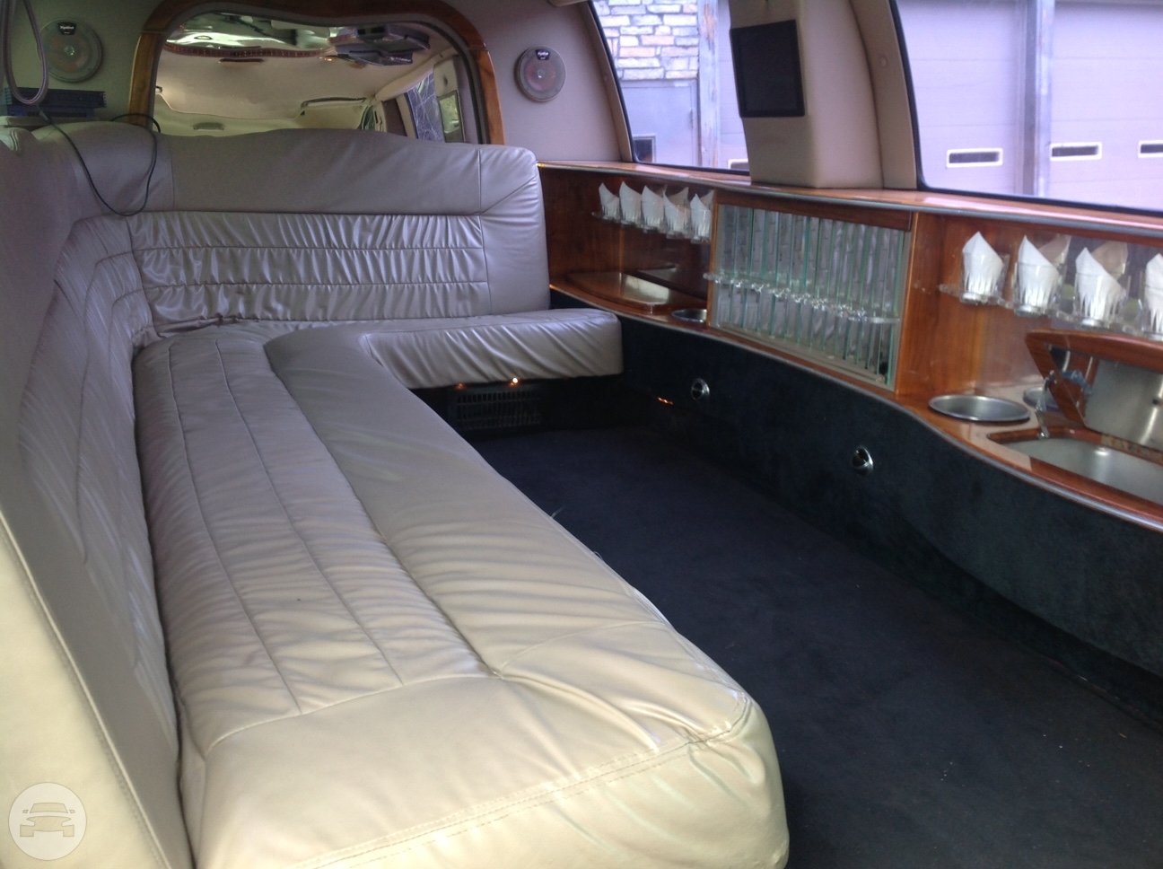 10 passenger Ford Excursion Limo / Athens, GA   / Hourly $0.00