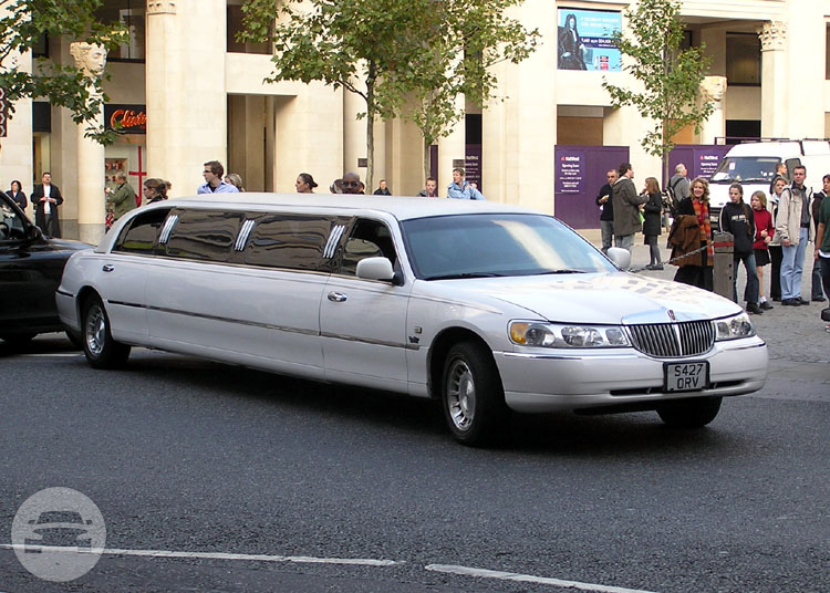 Lincoln Towncar Stretch  Limo / Cleveland, OH   / Hourly $0.00