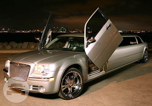 Chrysler 300C Jade/Silver Limousine Limo  / San Diego, CA   / Hourly $0.00