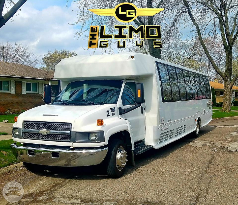 All Chevy chevy c5500 bus : Chevy C5500 30 Passengers Bus | The Limo Guys: online reservation