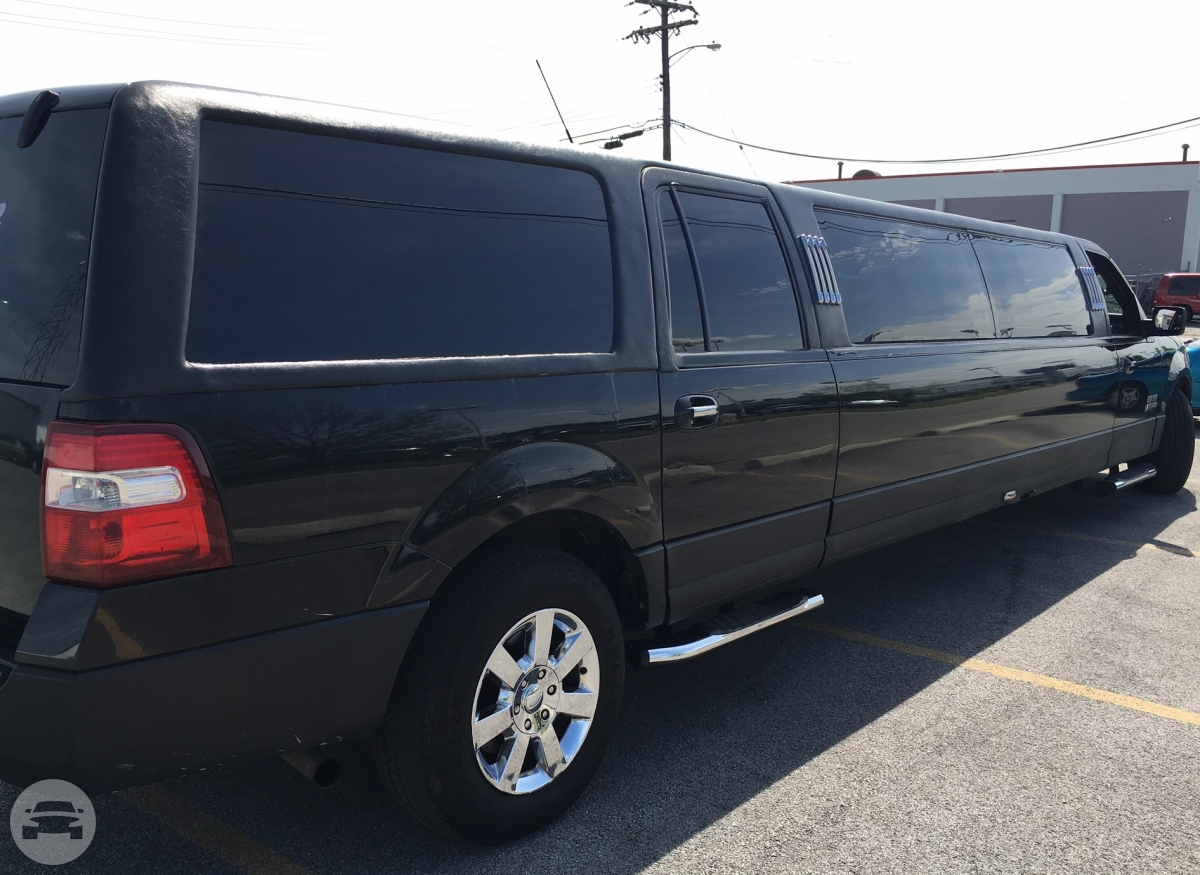 10 passenger Ford Expedition  Limo / Rolling Prairie, IN 46371   / Hourly $0.00